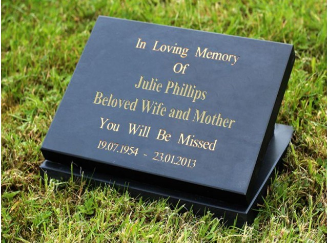 200 x 150 Memorial Plaque