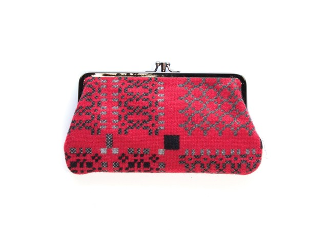 Melin Tregwynt - Large Knot Garden Jemima Red Welsh Double Purse